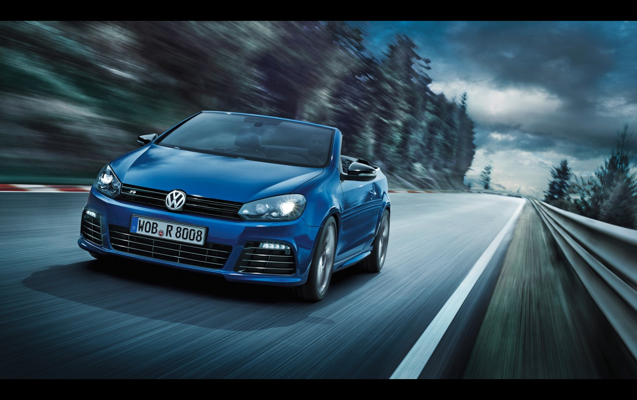 2013 Volkswagen Golf R Cabriolet Motion Front Angle Wallpapers