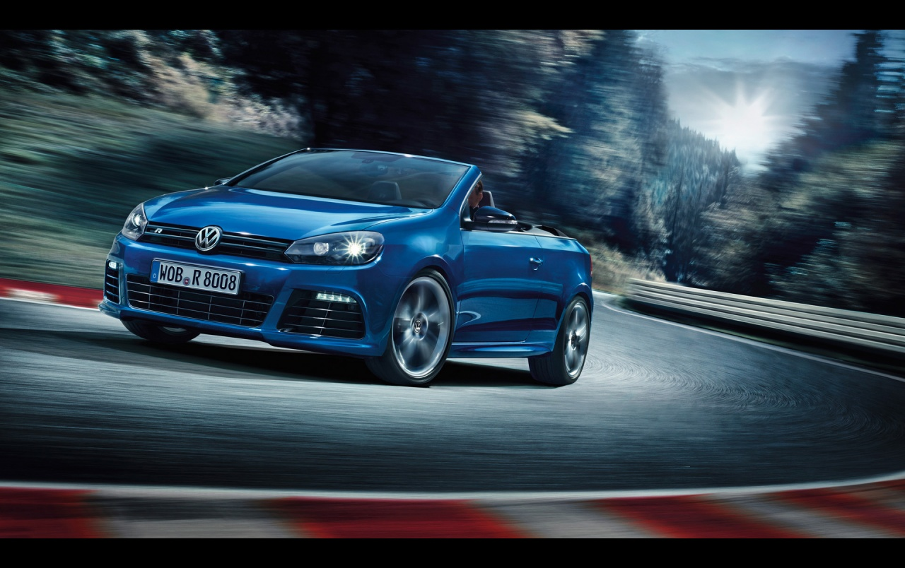 2013 Volkswagen Golf R Cabriolet Motion Side Angle Wallpapers 2013