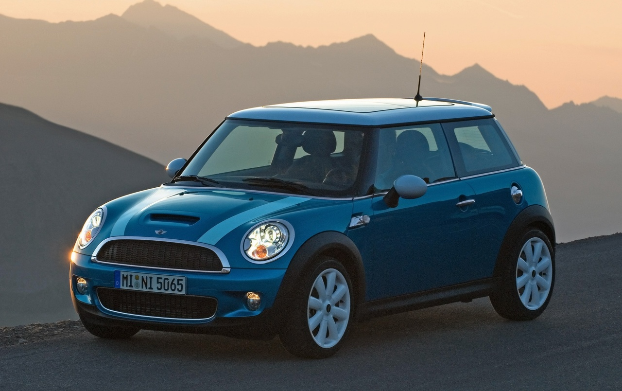 Mini Cooper S front wallpapers