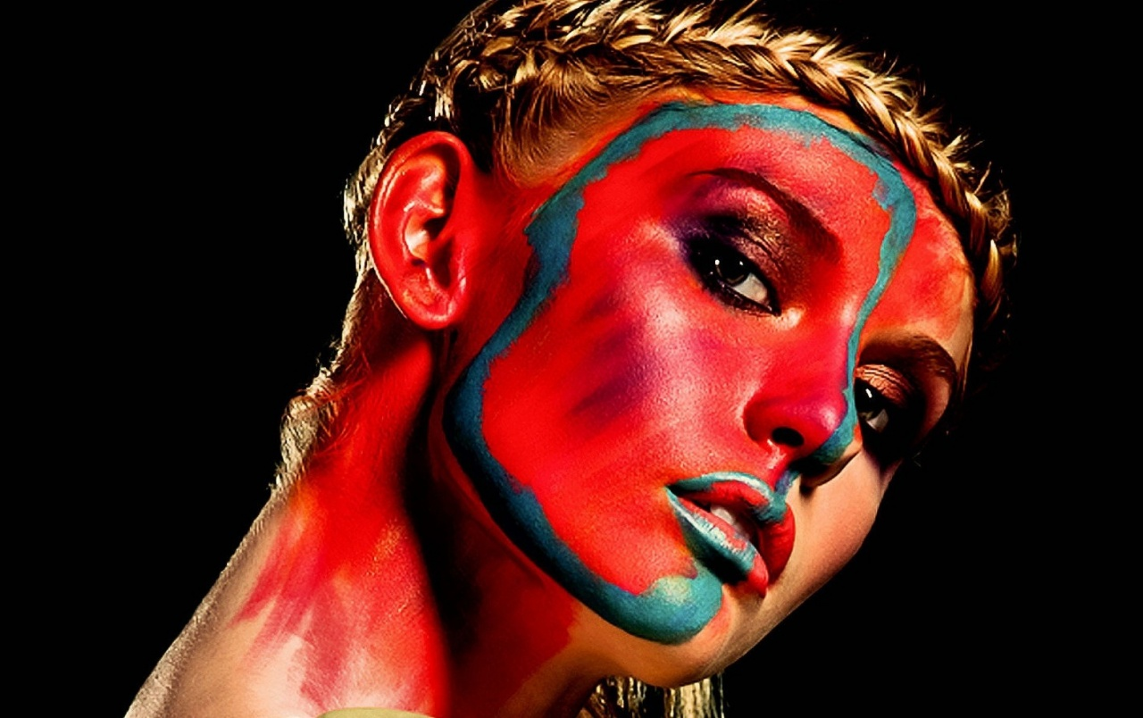 Face Painted Blonde Model Close-up wallpapers