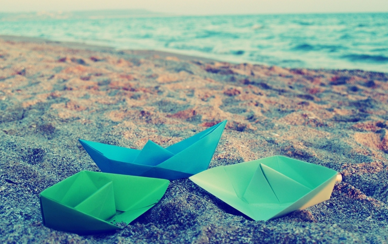 Paper Ships Ocean & Sand wallpapers