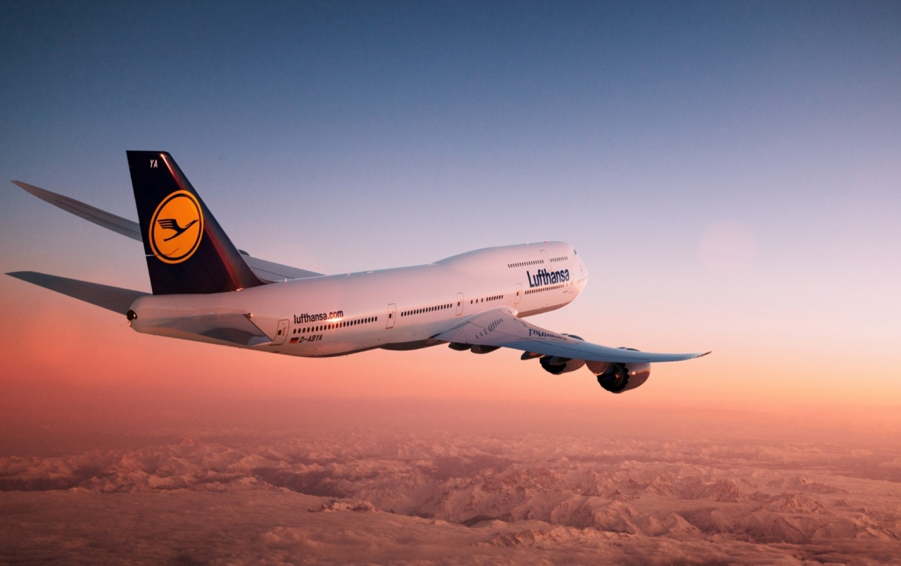 Lufthansa Boeing 747-8i at Sunset wallpapers