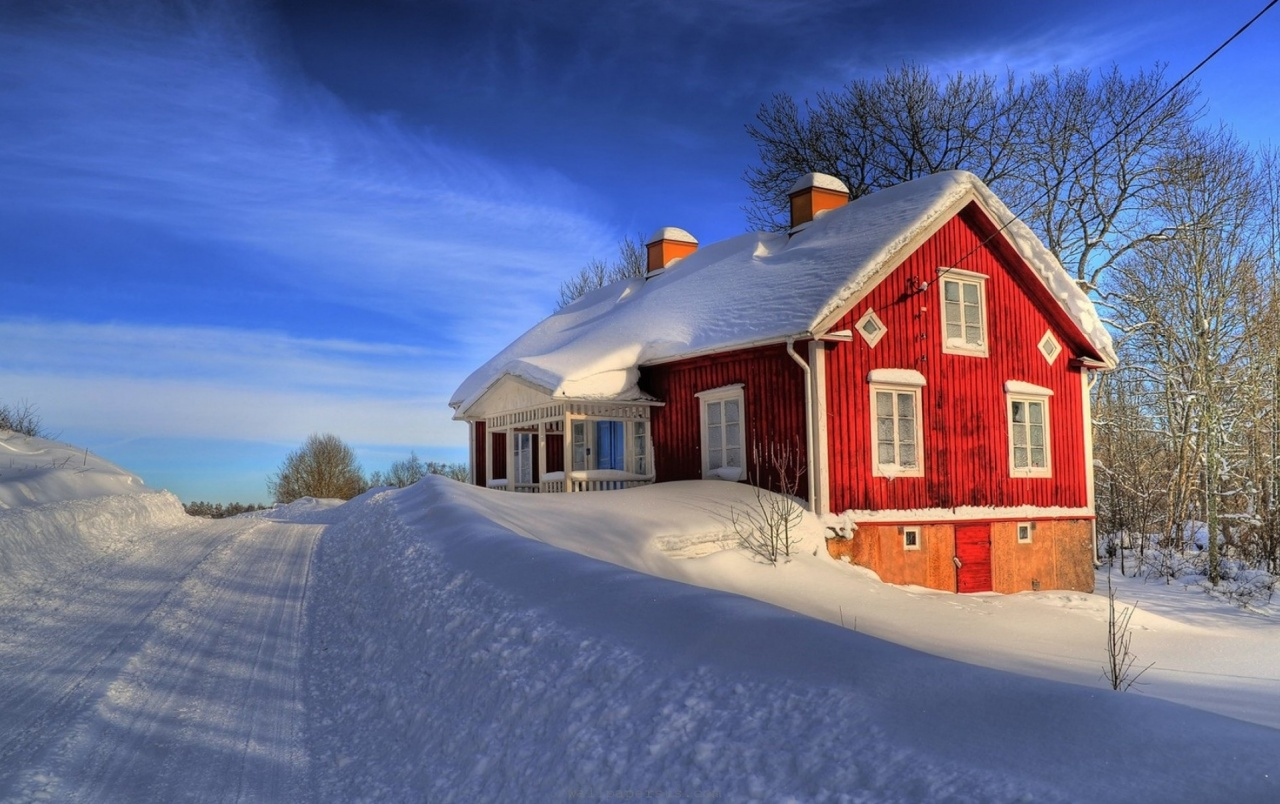 Deep Winter Red House & Straßen wallpapers