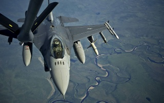 F-16 Fighting Falcon River wallpapers