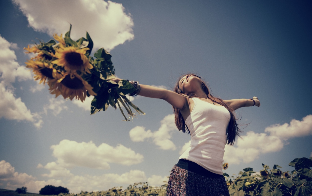 Woman Sunny Flowers Happiness Wallpapers Woman Sunny