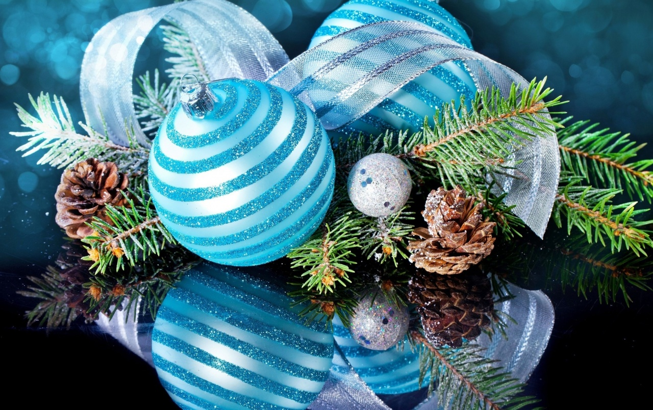 Blue Table Christmas Ornament wallpapers
