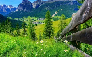 Spring Mountain Landscape wallpapers