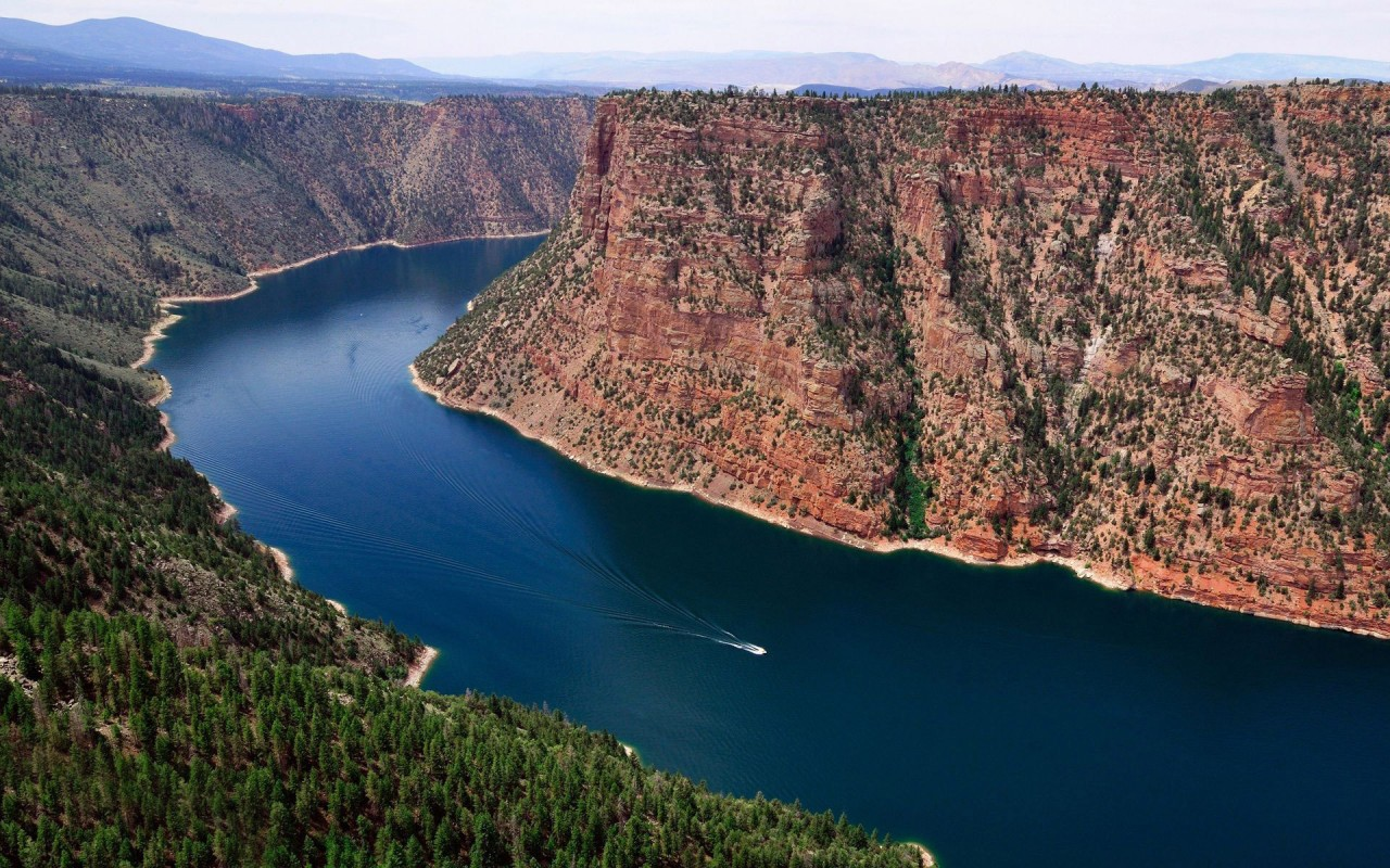 Mighty Flaming Gorge Reservorio wallpapers