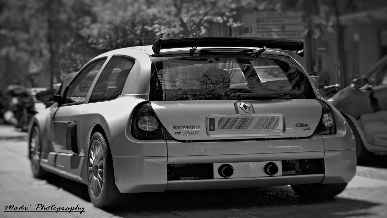 Renault Clio V6 wallpapers