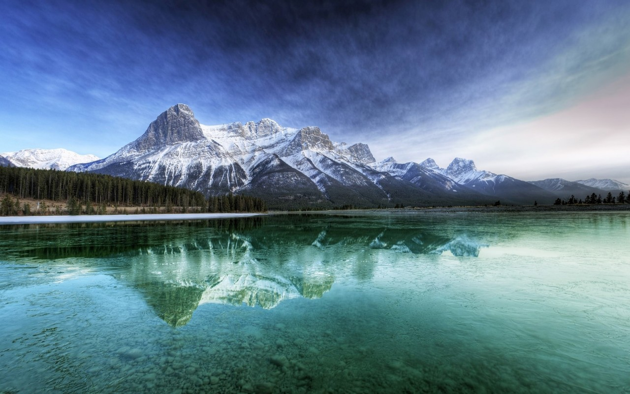 Turquoise Lake Peaks Wood wallpapers