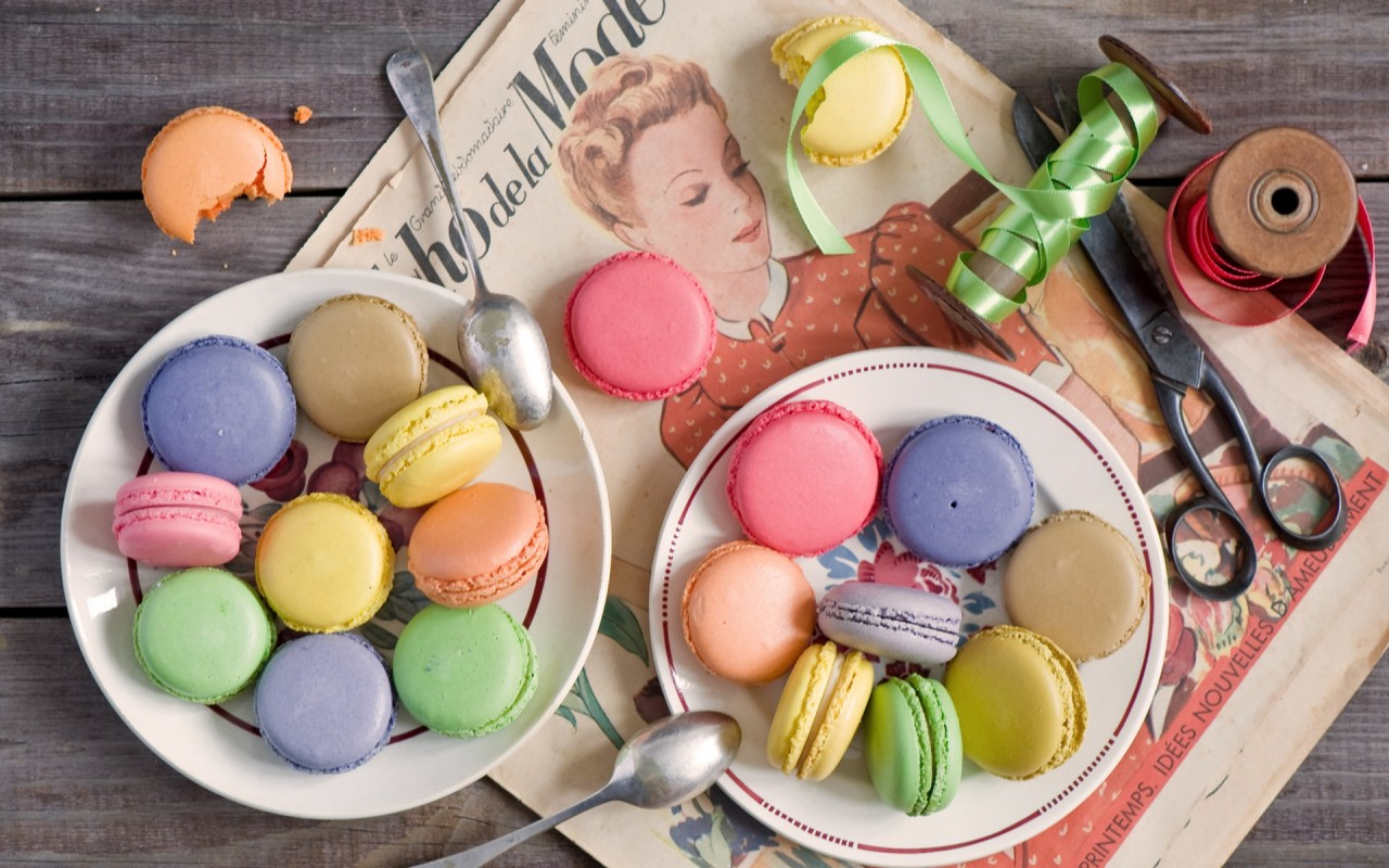 Colorful Macarons wallpapers