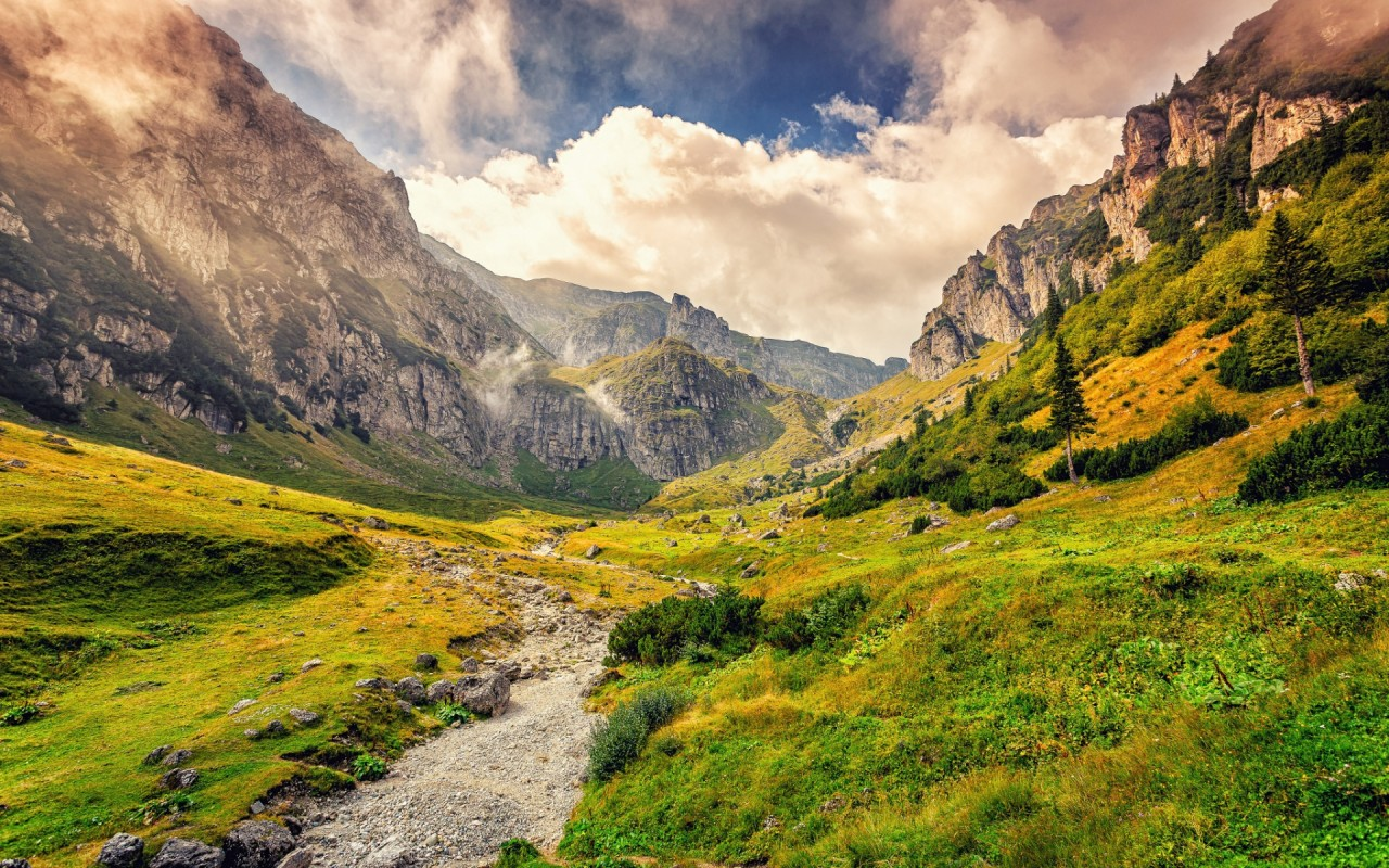 Malaiesti Valley Romania Wallpapers