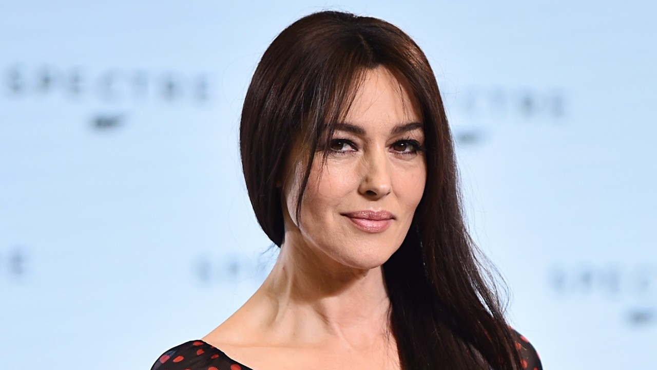 monica bellucci smile wallpapers