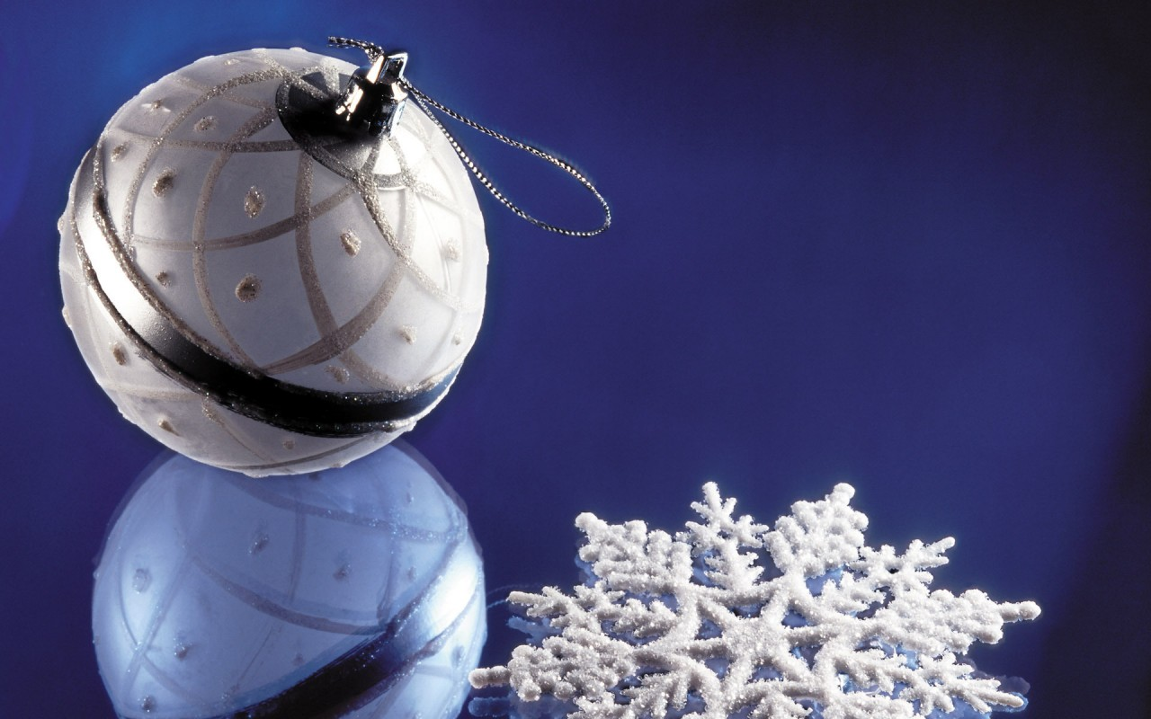 Christmas decorations, bauble, snowflake, holiday, holidays wallpapers