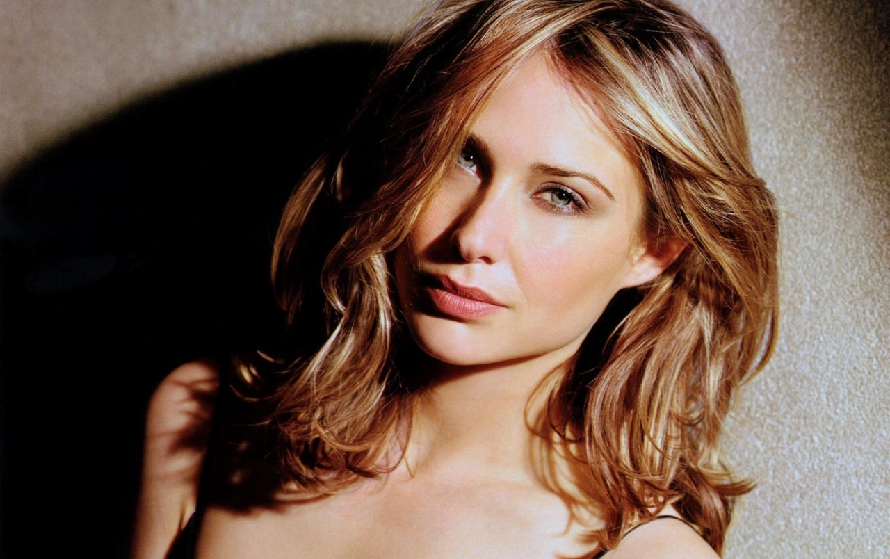 Watch Claire Forlani video