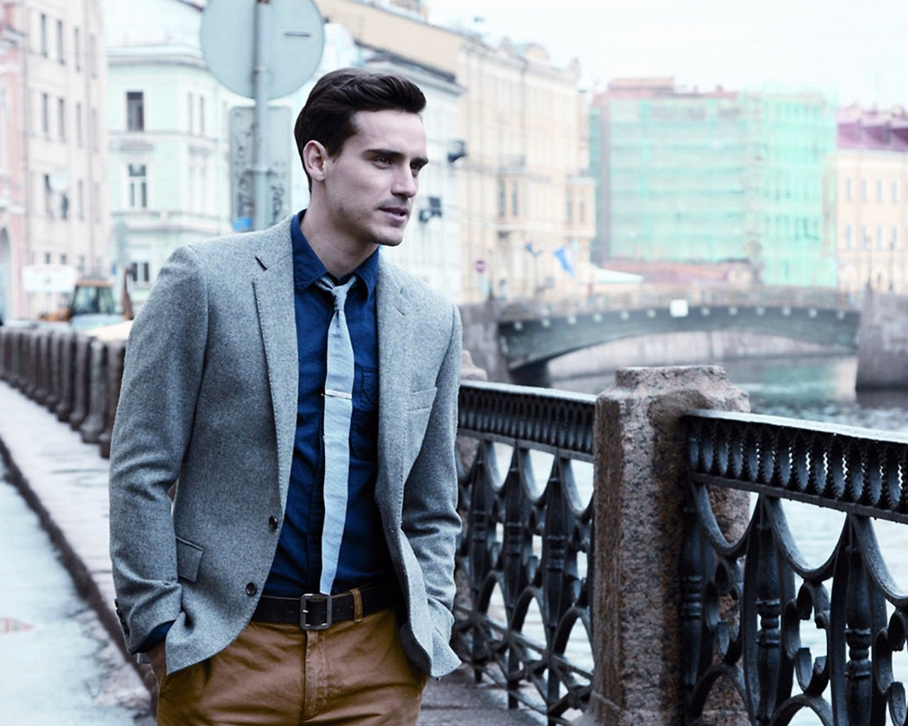 1280x1024 Well Dressed Male Model desktop PC and Mac wallpaper
