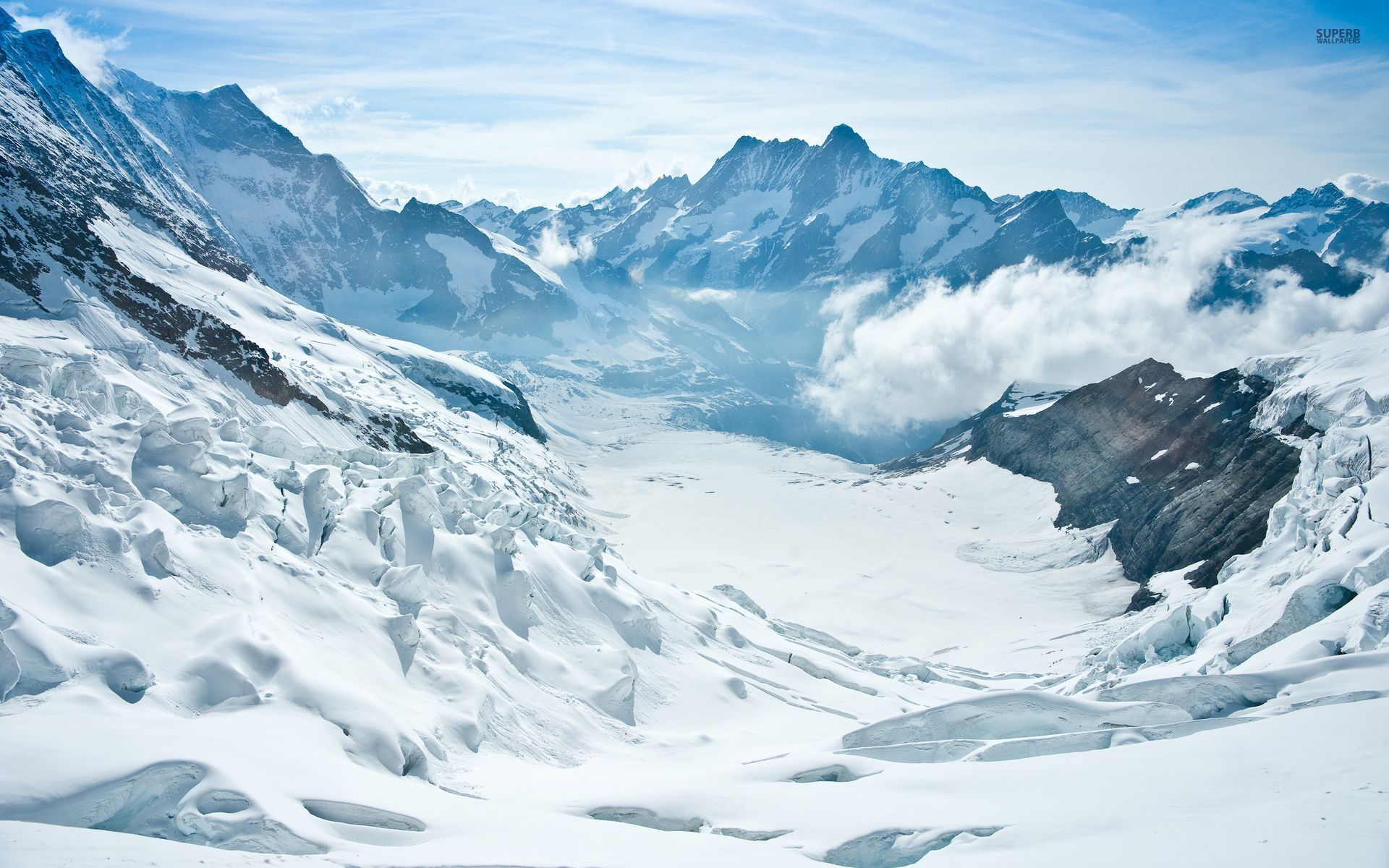 Snowy Background With Mountain: Wonderful Snow Mountains Foggy Wallpapers