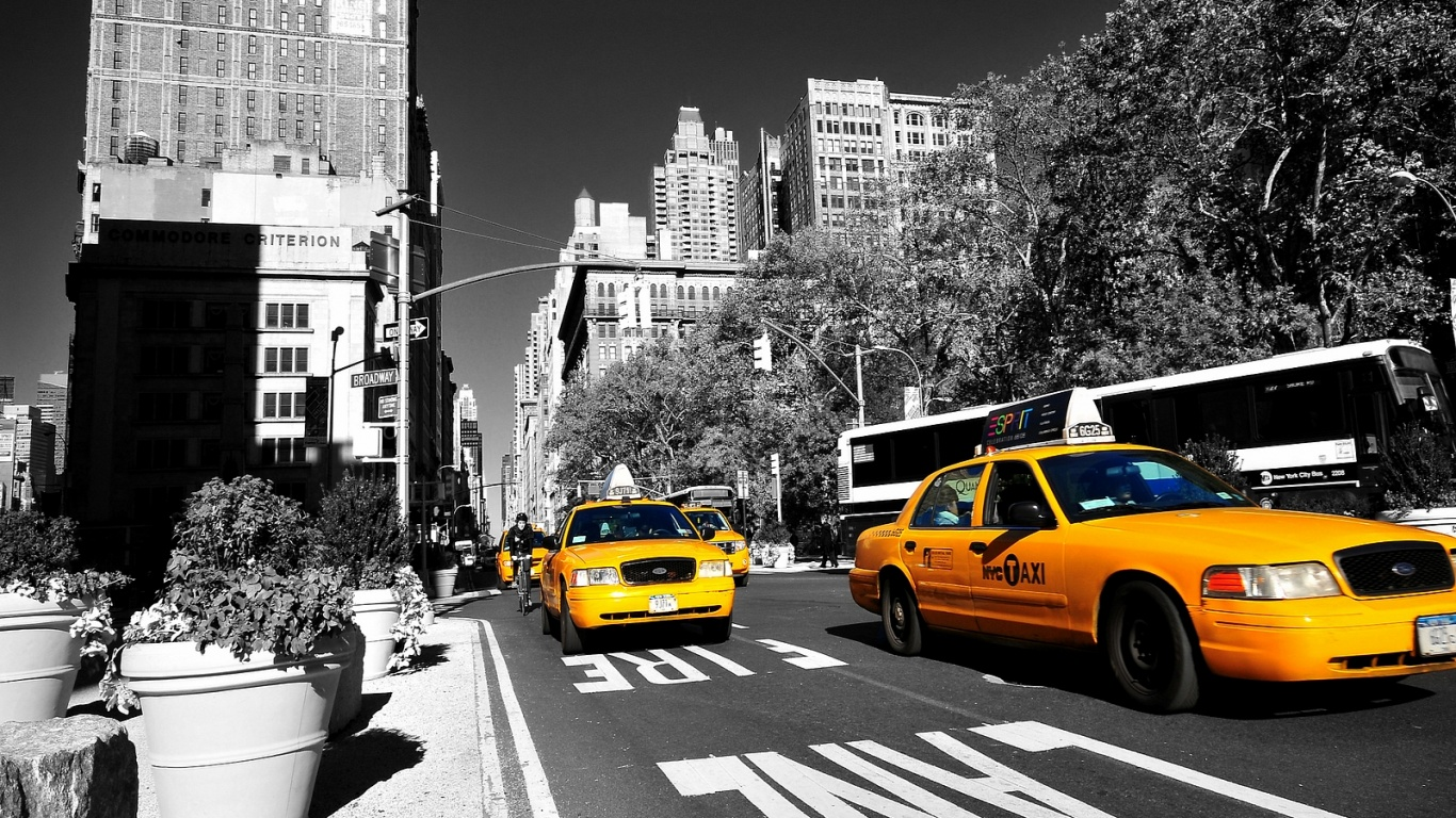 1366x768 yellow taxi in new york desktop pc and mac wallpaper